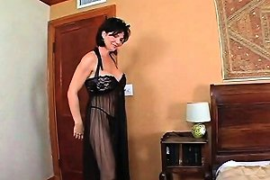 Mommy In Lingerie Giving Blowjob With Lust